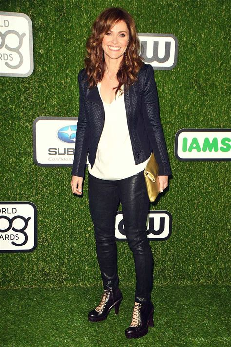 amy brenneman arrives    world dog awards