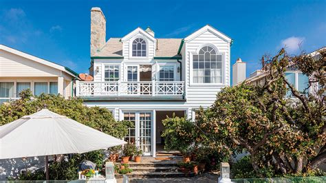 malibu house rentals elizabeth and lee gabler lease out malibu beach house variety