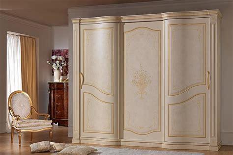 Luxury Wardrobe Doors by Wardrobe With 2 Sliding Doors In Luxury Classic Style
