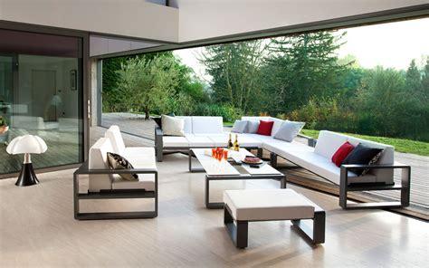 Salon de jardin, canapé, fauteuil bas et banquette