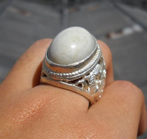 Cincin Emas Berlian 100 Garansi Asli batu akik bacan putih