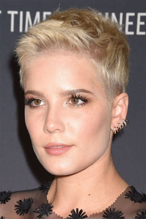 steal her look 1 classic donut hairstyle natural hair style halsey s hairstyles hair colors steal her style all