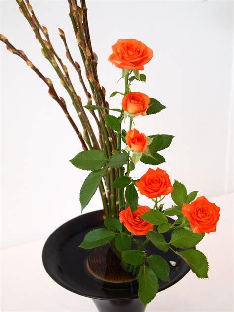 Arranging Roses In Vase Vintasia Japan Flower Arrangement Ikebana