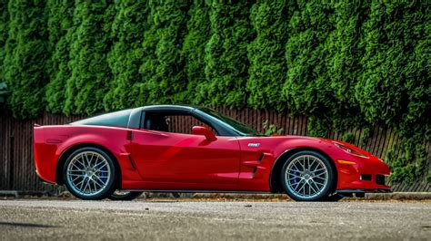 2010 chevrolet corvette zr1 image gallery pictures