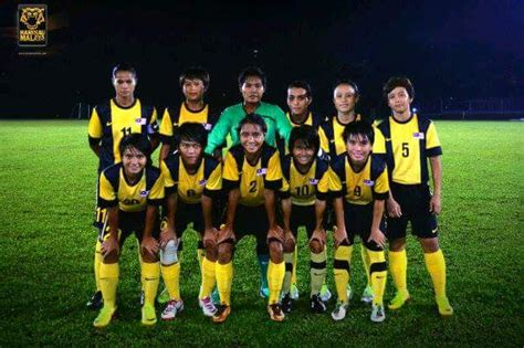 sepak bola wanita ums ums staff and student selected to represent malaysia
