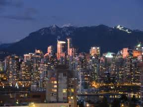mt lights downtown vancouver skyline grouse mountain lights at