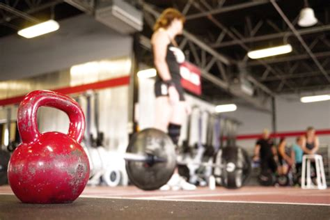 heavy kettlebell swing are heavy kettlebell swings better than deadlifts