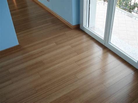 pavimento bamboo parquet bamboo prefinito carbonizzato verticale listone