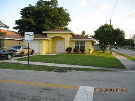 house for sale deerfield 290 sw 2nd st deerfield florida 33441 foreclosed