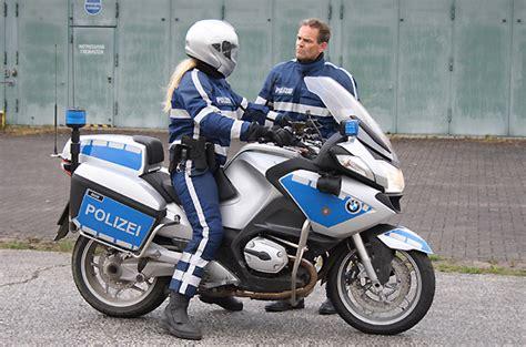 Fahrsicherheitstraining Motorrad Polizei Wien by Bmw R900rt Polizeimotorrad 2011