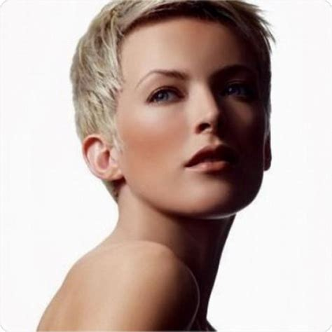videos of very short hair cut with a shaver very short haircut for women
