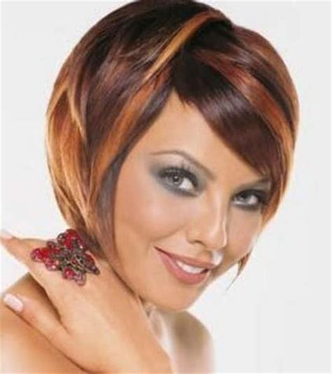 sexy bob haircut with chunky red highlites chunky highlights for short hair colored layered bob