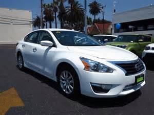 Nissan Alhambra Nissan Versa White Alhambra Mitula Cars