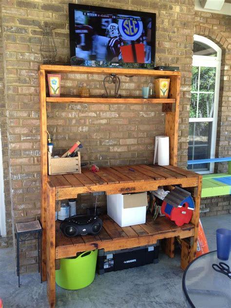 potting benchoutdoor tv stand   pallets