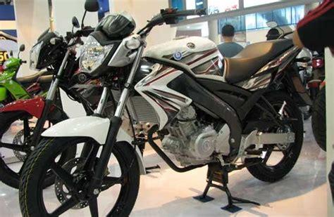 Cover Motor Yamaha Byson Sarung Motor Yamaha Byson yamaha vixion 2011 warna putih baru modifikasi motor