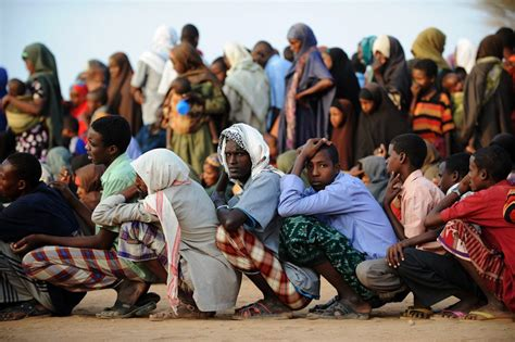 voice of america somali section somali refugee influx continues unabated
