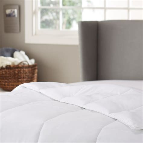 pinzon down comforter pinzon hypoallergenic down alternative year round