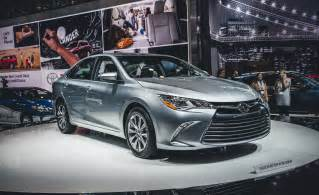 2015 Toyota Camry Hybrid Xle Car And Driver