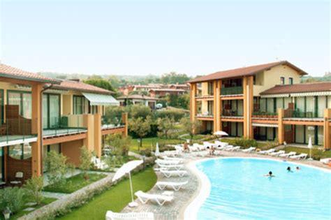 hotel le terrazze sul lago italien gardasee aparthotel le terrazze sul lago ansehen