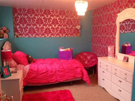 hot pink and turquoise bedroom pin by v 233 ronique gionet on my monster high themed bedroom