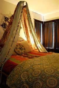 Canopy Bed Boho Diy Easy Boho Bed Canopy Caitlyn