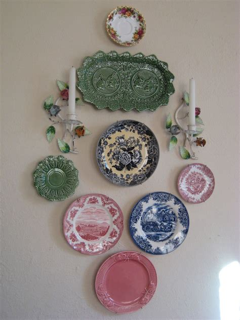 Decorative Hanging Plates by Decorative Wall Hanging Plates 101design