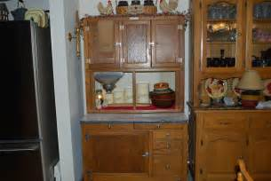 Hoosier Kitchen Cabinets Hoosier Cabinet Persnicketyprimitives
