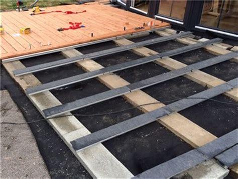 unterkonstruktion terrasse kunststoff holzterrasse selber bauen eine anleitung