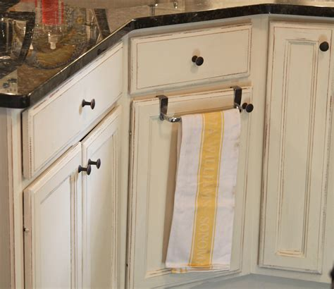 painting oak cabinets white with chalk paint painting oak kitchen cabinets with chalk paint the