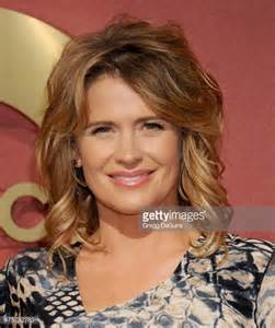 Actress kristy swanson arrives at the qvc 5th annual red carpet style