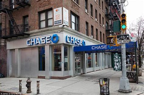 How New York Has Changed Me by Nyc Photo Project Shows Change In Storefronts Time