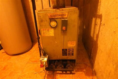 pilot light won t stay lit on furnace hydrotherm hc 165 pilot light won t stay lit