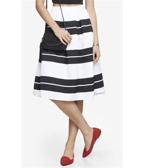 express high waist striped midi skirt in black black