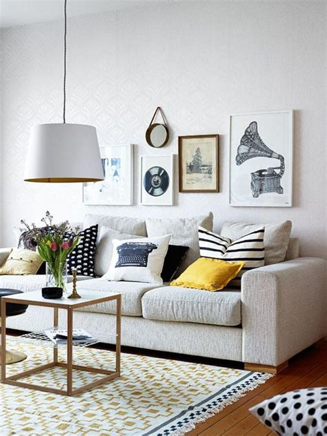 art living room gallery wall in 30 contemporary living room designs rilane