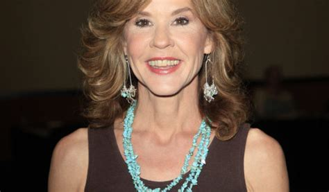 ellen burstyn exorcist series the exorcist linda blair wants to appear on tv series