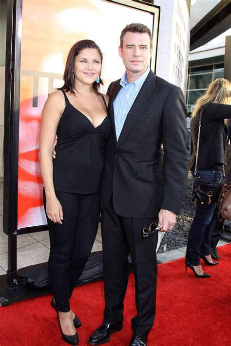 scott foley picture 8 los angeles premiere for the fifth season of hbo s series true blood scott foley and wife marika dominczyk at the los angeles
