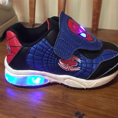 spiderman light up shoes marvel other size 8 boys lightup spiderman shoes poshmark
