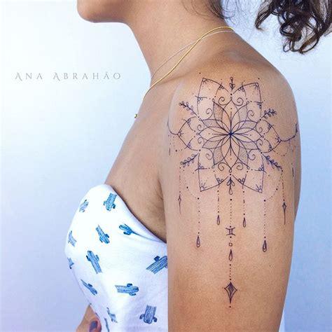 tattoo mandala feminina 25 melhores ideias sobre cobertura de tatuagem no