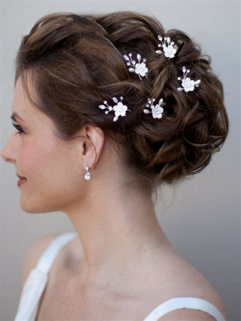 hairstyles with hair jewelry 30 bridal hair jewelry ideas for a charming wedding