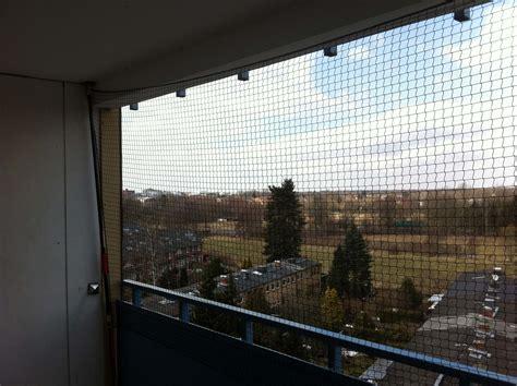 hängematte auf balkon befestigen katzennetz schutz f 252 r katzen auf dem balkon