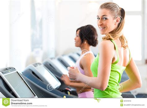 how to a to run on a treadmill in sport on treadmill running stock photo image 32187810