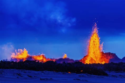 Lava L L by 11 Photos Of Iceland S Bardarbunga Volcano Erupting That Are Just
