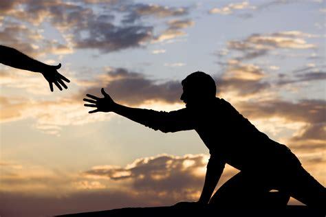 imagenes de dios levantando al caido helping others helps yourself thepreachersword
