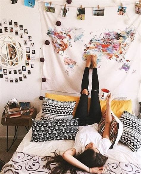 how to bedroom decoration best 25 dorm mirror ideas on pinterest
