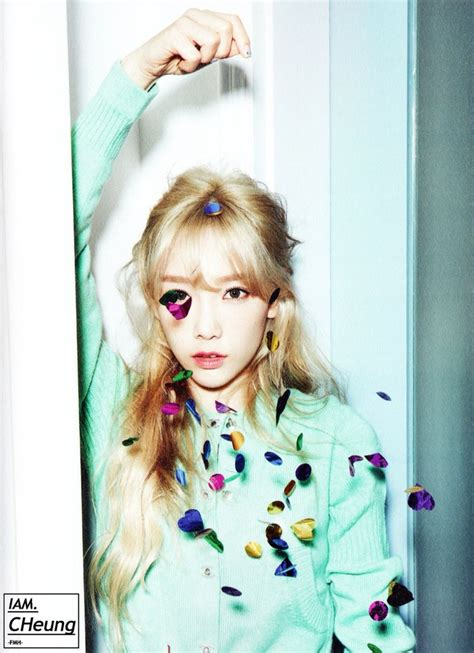 Photocard Taeyeon Dear Santa 151204 snsd taetiseo the 3rd minim album dear santa photobook snsd tts taeyeon snsd