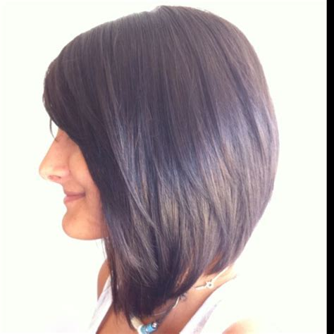 shoulder length angled bob best 25 medium angled bobs ideas on pinterest long