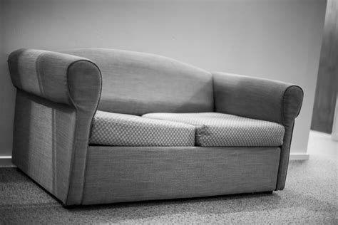 buy second hand sofa set where to buy second hand furniture in dubai dubai expats