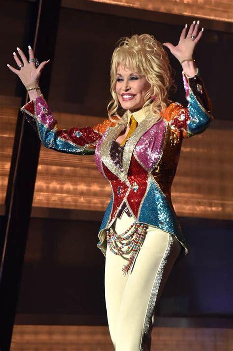 Country star Dolly Partonto renew vows on golden wedding