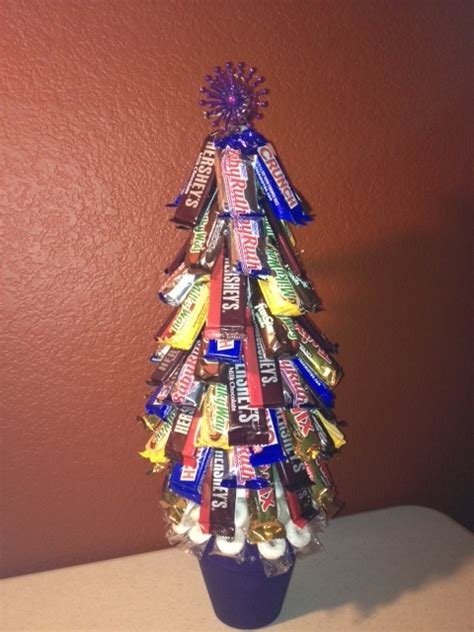 how to do a christmas candy sunday centerpiece 17 best images about bouquet on get well s day and centerpieces
