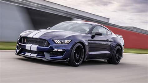 ford infuses   mustang shelby gt  racing